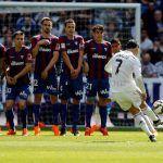 Cómo marcar gol de falta en FIFA 16