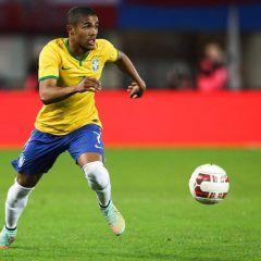 Equipo brasileño con Douglas Costa